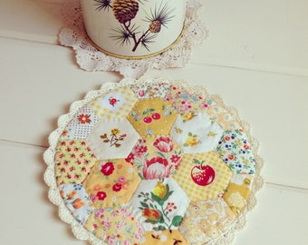 a most lovely autumn hexie patchwork doily no. 3