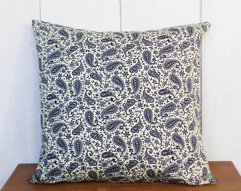 Cushion - 40 x 40 cm - fabric Paisley - blue and white cover broken - deco Bohemia