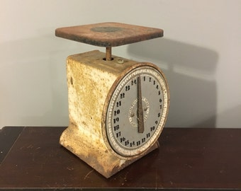 Vintage Montgomery Ward Antique 25 Lbs. Kitchen & Household Scale Circa 1920s - Very Shabby Chippy Rusty White Paint Retro Art Deco Fonts