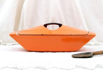 Vintage French Designer Bright Orange Enameled Cast Iron Le Creuset 4.5 Cooking Pan / Pot and Lid Designed by Raymond Loewy in 1958, Kitchen