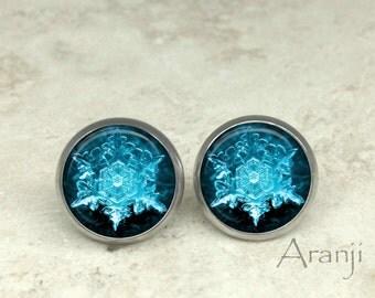 Glass dome snowflake earrings, snowflake stud earrings, snowflake jewelry, snowflake earrings, winter earrings, stud earrings, PA156E