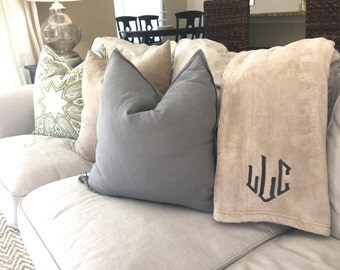 Monogrammed Plush Blanket-Monogrammed Gifts, Monogrammed Home, Housewarming Gift, Personalized Gifts, Personalized Blanket