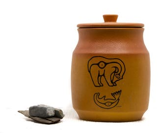 Polar Bear and Seal Blue Mountain Pottery Native Series Apa Kark