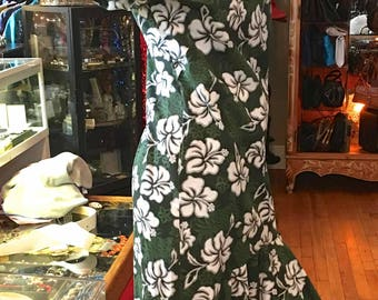 Vintage Hawaiian Tourist Dress, Drop Shoulders, Made in Hawaii, Greens and White