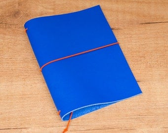 Handmade Leather Traveler's Notebook, Midori style in Passport / Pocket / A6 size - Royal Blue