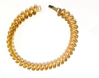 Vintage Signed NAPIER GOLD TONE Collar Necklace 1980's Designer Jewelry Elegant Modern Statement Necklace Flex links Fluid Design Retro