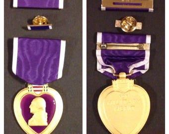 Gulf war era purple heart full size 3 piece set the lapel pin is purple it just looks wrong under the light