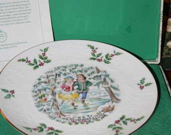 "Vintage Royal Doulton Christmas Plate 1977-  "" Boy & Girl Skating"" First in a Series- Made in England (Original Box"