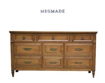1022-02279 Customizable Huntley 9 Drawer Dresser