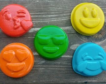 Emoji Crayons Set of 5 - Emoticon Crayons - Party Favors