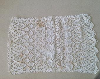 Vintage  rectagular crochet doiliy, 20'' x 13''