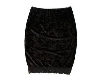 Lux  // Black Crush Velvet Pencil Skirt