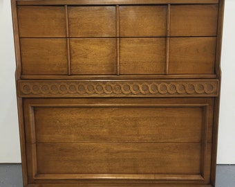 Mid Century Modern 5 Drawer Chest of Drawers