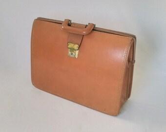 Vintage Briefcase, Leather Briefcase, Top Grain Cowhide, Working Closure, Unisex, Laptop Briefcase, Cowhide Bag, Leather Bag, Carryon, Purse