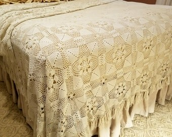 Queen Size Bedspread Crocheted Coverlet Lace Bedding Crocheted Coverlet Cotton Lace Bedspread Antique Lace Blanket Shabby Chic Comforter
