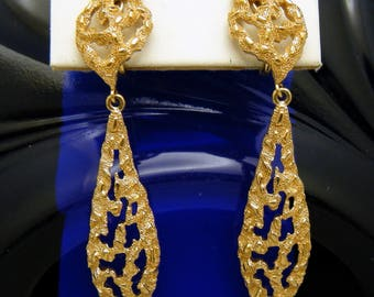 Vintage Crown Trifari Runway Dangle Drop Clip Earrings Open Work Gold Tone