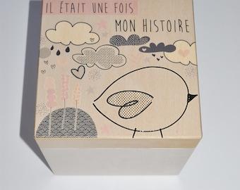 Box memories wooden - black bird. White & pink