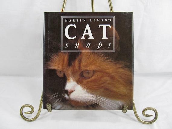 Martin Leman's Cat Snaps  Leman, Martin  Pelham Books, London/ New York (1989) Hardcover Cat Lover Gift Idea Cat Book Vintage Hardcover