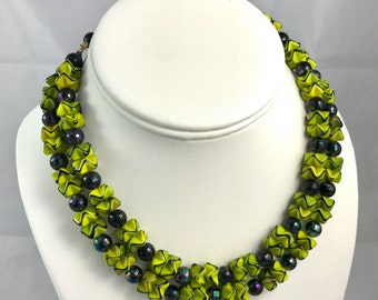 Chartreuse and indigo ruffled glass bead 15 inch necklace
