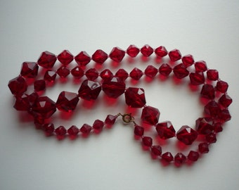 Vintage Early Red Faceted Lucite Bead Graduated Long Necklace