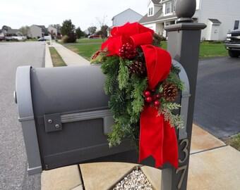 Mailbox Swag, Christmas Decoration, Outdoor Christmas, Outdoor Decor, Mailbox Decoration, Christmas Swag, Christmas Wreath