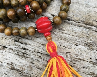 Green Sandalwood and Coral Mala Prayer Bead Stretchy Necklace or Wrap Bracelet Meditation Yoga Beads Bicycling Buddha B059