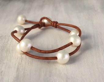 Leather pearl bracelet, pearl jewelry, pearl bracelet, bracelet, leather bracelet, multistrand