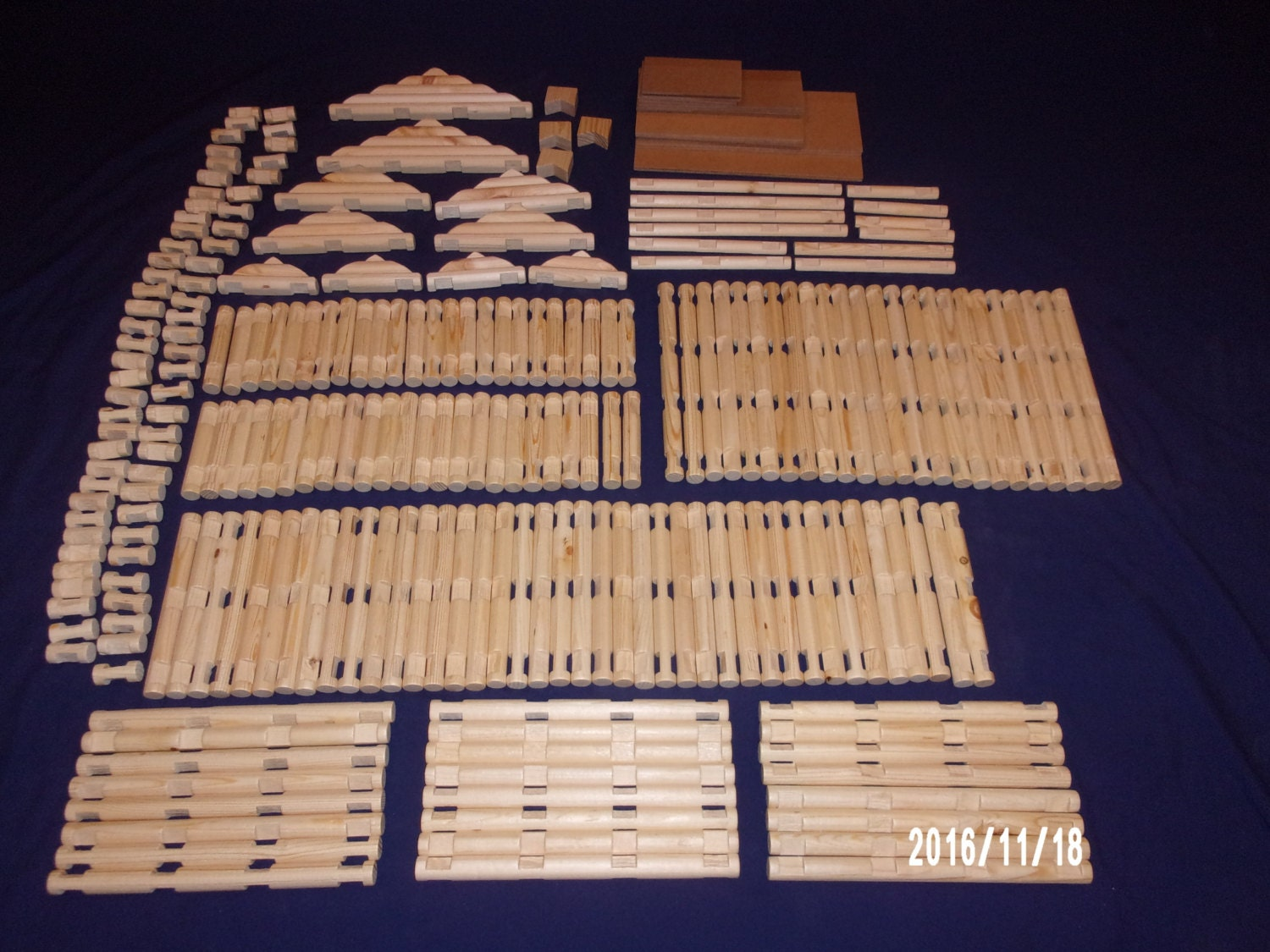 Handmade Lincoln Logs Extra Large 234 Piece Set