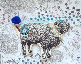 Mouton  sheep collage pouch