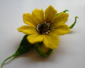 Felt Brooch, Wool Felt Jewelry, Green Yellow Flower, Felt Flower Pin, Green Pin, Wool Brooch, Gift for her, Handmade
