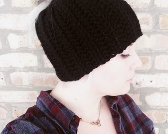 Ponytail hat / Messy Bun Hat / Ribbed Beanie / Runners Hat