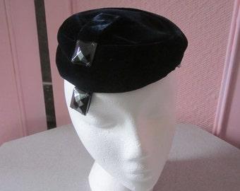1960s Midnight Blue Velvet Pillbox Hat
