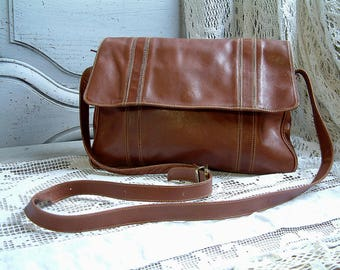 Italian vintage genuine leather brown leather shoulder bag. Long strap. Ladies leather cross body hand bag. Womens cross body bag. Boho chic