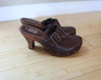 vintage brown leather wooden clogs womens 6