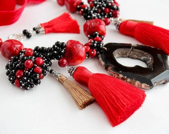 Set of handmade jewelry: necklace and earrings
