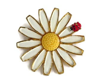 Weiss Daisy Brooch, Vintage White and Yellow Daisy Ladybug Pin