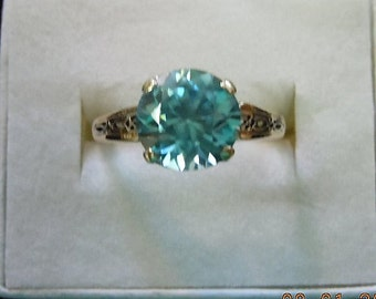 Natural 2.5ct Zircon Mint Condition no scratches or abraisions perfect! Graceful open work design