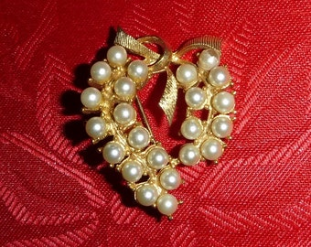 Vintage Pearl Heart Brooch Valentines Day Jewelry Ribbon Bow Pin 60s 70s Victorian Revival Romantic Broach Wedding Jewelry Anniversary Gift