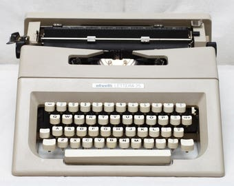 Vintage Olivetti Lettera 25 Manual Typewriter With Fresh New Ribbon 1970s