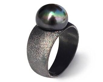 PURE BLACK Pearl Ring, Black Ring Band, Black Silver Ring, Geometric Ring, June Birthstone Ring, Minimal Modern Ring