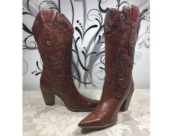 Leather Cowboy boots, Western boots, Size 7/8B boots, Stylish boots, Leather boots, Women's boots, Brown leather boots, Cowgirl boots