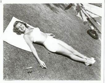 1970s RITA HAYWORTH Hollywood Vamp Pin Up Art Deco Actress Star Legend Gigantic Original Archival Photo