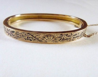 Aesthetic Japonisme 10k yellow solid gold taille d'epargne bangle bracelet circa 1880s