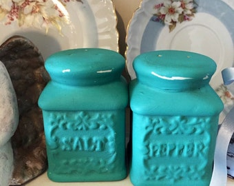 Vintage Green Turquoise Ceramic Salt And Pepper Shakers