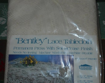 Vtg Bentley OVAL Lace  TABLECLOTH 108 x 70 New-Old-Stock Made USA Cream Ivory Dacron Polyester Permanent Press