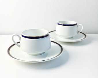 "Big Arabia Finland Porcelain coffee cup with saucer named ""Ahti"" by Raija Uosikkinen, 1960s - Made in Finland"