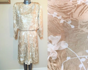 Gorgeous Silk Neiman Marcus Dress Set Size 6 or 8 Beige White Cream Floral Beautiful Wedding Guest Dinner Date Easter Muted Soft