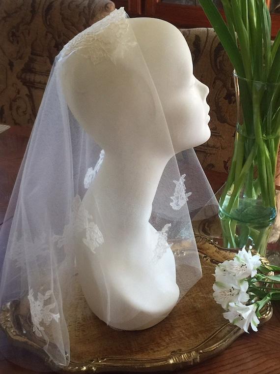 Short Veil, Boho Wedding Veil, Boho Veil, Lace Applique Veil, Wedding Veil, Simple Veil, Bridal Veil - SECRET GARDEN Veil