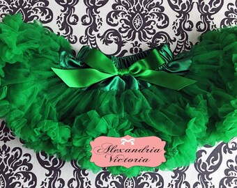 GREEN PETTISKIRT with BOW, Green Tutu, Christmas Pettiskirt, St. Patricks Day Pettiskirt, Toddler Pettiskirt, Smash Cake, Birthday Outfit.