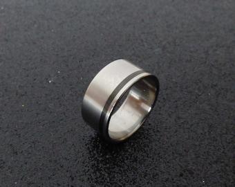 Titanium and carbon fiber ring.